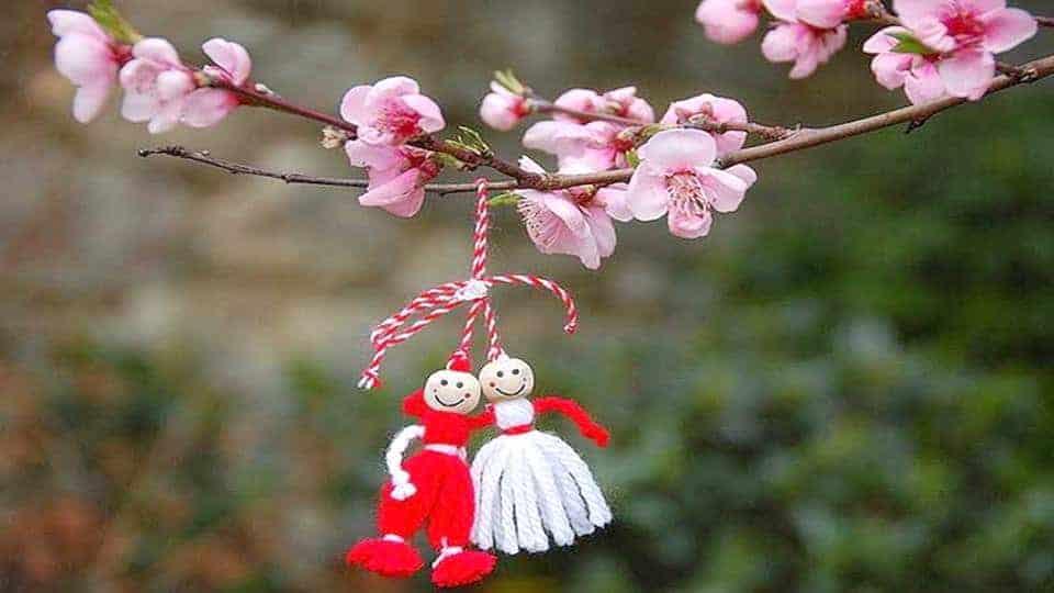 за пролетта и мартеничките